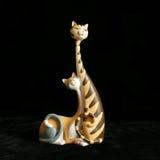 Figurine pleine d'humour de deux amoureux des chats Image stock