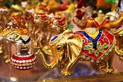 Figurine variopinte squisite degli elefanti su esposizione Turchia Fotografia Stock
