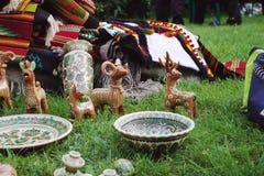 Figurines de chèvres d'argile utilisées pour la bonne chance Photo libre de droits