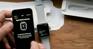 Fijando nuevo Apple mire el ordenador usable del smartwatch almacen de metraje de vídeo