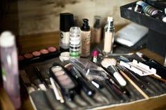 Fije al artista de maquillaje Fotografía de archivo libre de regalías