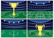 Fije de cuatro estadios de fútbol con una taza de oro en hierba verde ilustración del vector
