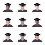 Fije de los muchachos de los estudiantes fijados en un casquillo graduado de diversos razas, nacionalidades y colores de piel, im libre illustration