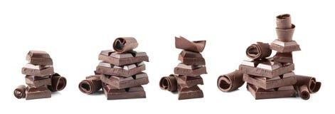 Fije de pedazos y de rizos deliciosos del chocolate en blanco imágenes de archivo libres de regalías