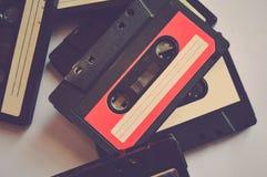 Fije de viejo fondo colorido de los casetes audios 80s-90s imagen de archivo libre de regalías