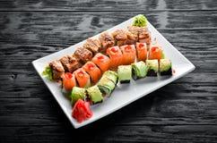 Fije el rollo de sushi Plato tradicional chino foto de archivo