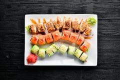 Fije el rollo de sushi Plato tradicional chino foto de archivo libre de regalías