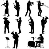 Fije la silueta del músico que juega el trombón, batería, tuba, trompeta, saxofón, en un fondo blanco libre illustration
