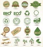 Fije las etiquetas y los emblemas de la ecología y del ambiente ilustración del vector