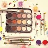 Fije para el maquillaje Sistema colorido del maquillaje Foto de archivo libre de regalías