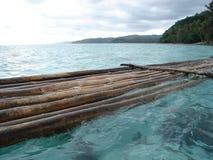 fiji för 2 bambu raft Arkivbilder