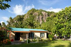 Fijian Village House Volcanic Mountain South Pacific Fiji Island stock photos