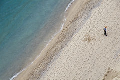 Fijn zandstrand op de zuidelijke kust van Italië Stock Afbeeldingen