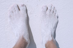 Fijne witte zandige voeten Royalty-vrije Stock Foto's