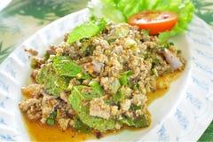 Fijngehakt Duck Spicy Salad met Kruiden Stock Afbeeldingen