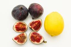 Fikonträdfrukter och citron arkivbild
