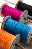 Fikri /Reel/Chakri /Spool avec le fil ou le manjha coloré ou manja pour le vol de cerf-volant Photo stock