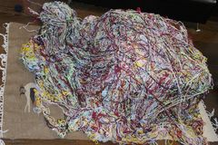 Filé coloré pour le tricotage Images stock