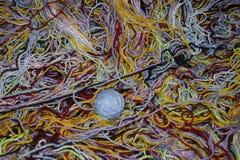 Filé coloré pour le tricotage Photos libres de droits