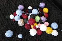 Filé coloré pour le tricotage Image stock