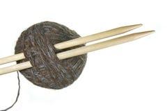 filé de pointeaux de tricotage Photos libres de droits