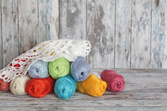 Filés pour le tricotage Photographie stock libre de droits