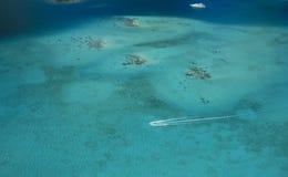 Filón coralino en Borabora Foto de archivo libre de regalías