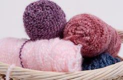 Fil à tricoter 2 images libres de droits