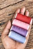 Fil coloré de bobines Image libre de droits