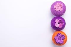 Fil coloré pour le tricotage Images libres de droits