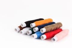 Fil de couture coloré de bobine Image stock