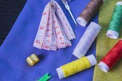 Fil et bande colorés de mesure Photo libre de droits