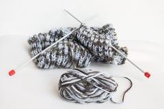Fil et tricotage Photographie stock libre de droits