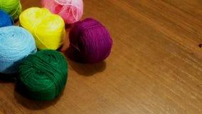 Fil, fond, couture, laine, objet, vert, fil, pourpre, métier, lumineux, arc-en-ciel, coton, textile, couleur, jaune, en bois, Image libre de droits