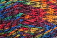 Fil multicolore pour le tricotage Images libres de droits