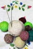 Fil pour le tricotage à la main Image stock