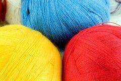 Fil pour le tricotage photographie stock