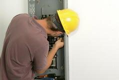 Fil se connectant d'électricien Photos libres de droits