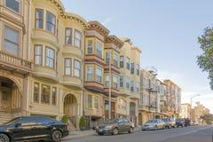 Fila de apartamentos en San Francisco Imagen de archivo
