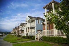 Fila de casas en un suburbio de Mediados de-América Fotos de archivo