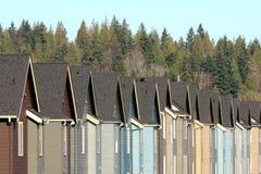 Fila de casas suburbanas Imágenes de archivo libres de regalías