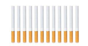 Fila de cigarrillos imagen de archivo libre de regalías