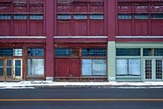 Fila de escaparates abandonados imagen de archivo libre de regalías