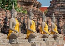 Fila de la estatua de Buddha fotografía de archivo