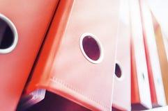Fila de las carpetas del archivo del negocio Fotografía de archivo libre de regalías