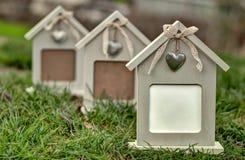 Fila de las casas modelo para la herramienta de márketing Imagen de archivo
