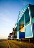 Fila de las chozas coloridas de la playa Fotografía de archivo libre de regalías