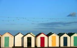 Fila de las chozas de la playa Fotografía de archivo libre de regalías