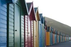 Fila de las chozas de madera coloridas de la playa Foto de archivo libre de regalías