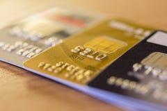 Fila de las tarjetas de crédito Fotografía de archivo libre de regalías